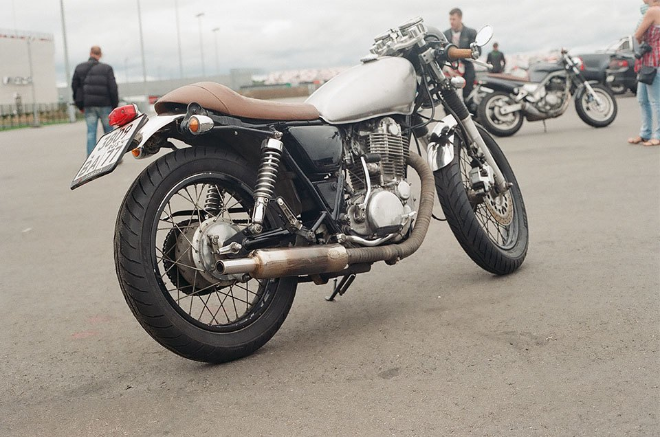 Фоторепортаж с гонки кастомных мотоциклов Nuts & Bolts. Изображение № 15.
