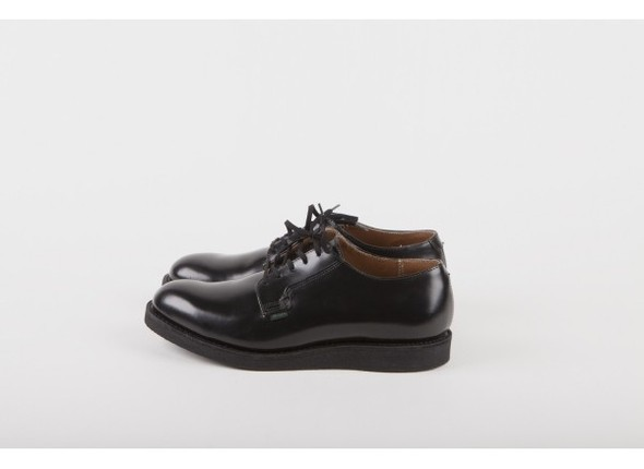 Red Wing Shoes 101 - The Postman Oxford Black Chaparral, 249,95 €. Изображение № 1.