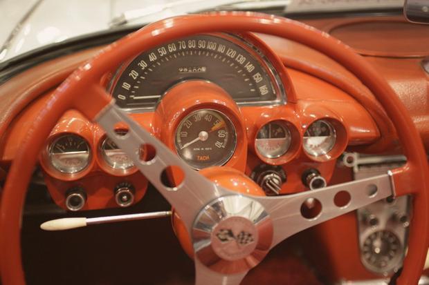 Машина времени: 8 лучших ретроавтомобилей с выставки «Олдтаймер». Изображение № 44.