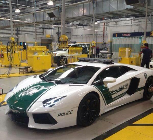 Полицейские Дубая сядут за руль Lamborghini Aventador. Изображение № 1.