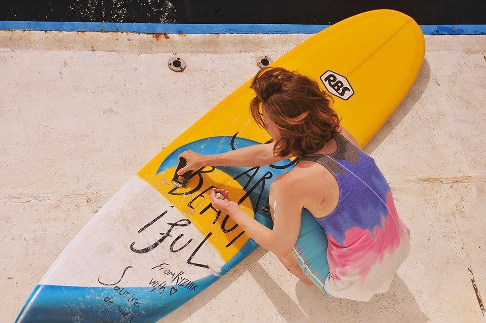 Russia Goes Surfing: Репортаж из серферского лагеря на Мальдивах. Изображение № 4.