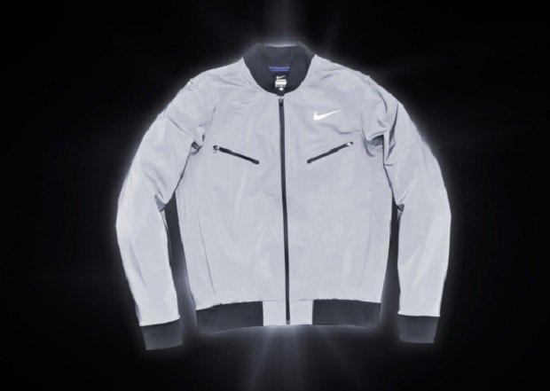 Марка Nike анонсировала новую коллекцию светящейся в темноте одежды. Изображение № 1.
