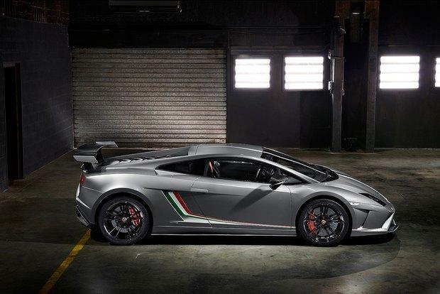 Lamborghini представили новый суперкар Gallardo LP 570-4 Squadra Corse. Изображение № 5.