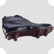 Первая модель футбольных кроссовок Adidas, 1929. Изображение №1.