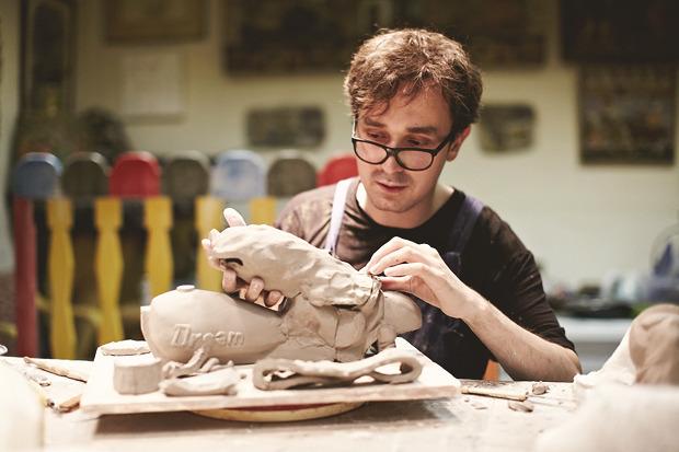 «Когда я долго не работаю руками, скатываюсь во тьму»: Интервью со скульптором Прохором Колосовым. Изображение № 1.