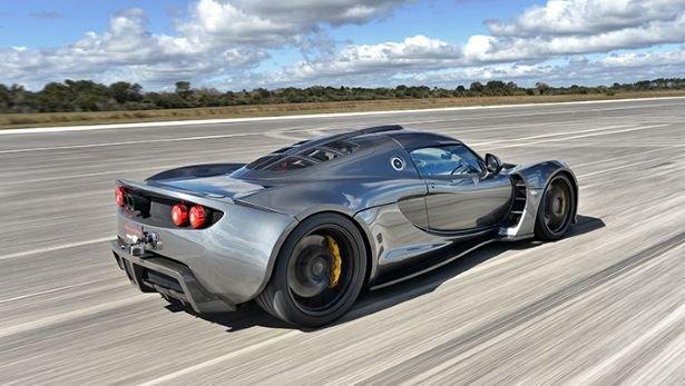Суперкар Hennessey побил рекорд скорости Bugatti Veyron. Изображение № 2.