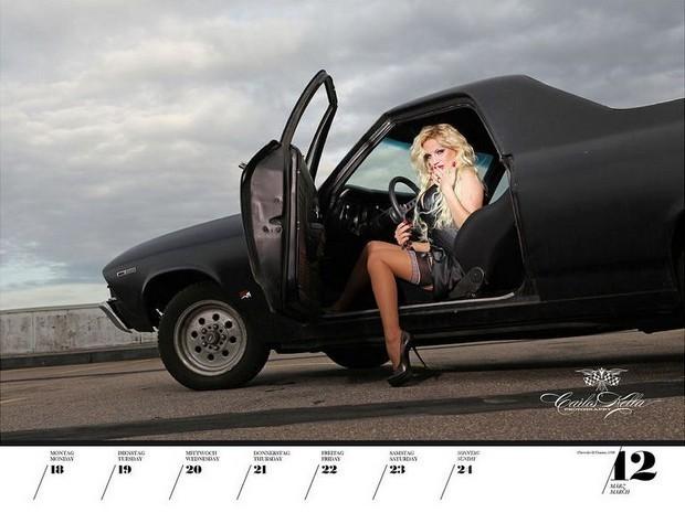 10 эротических календарей на 2013 год. Изображение № 71.