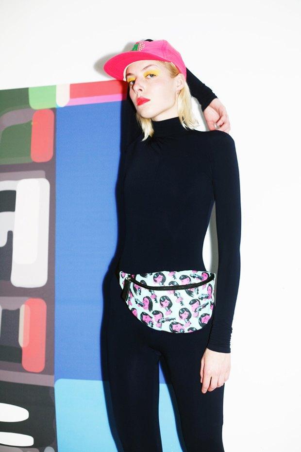 Дизайнер Никита Грузовик и художник Flakonkishochki выпустили новую коллекцию сумок. Изображение № 18.