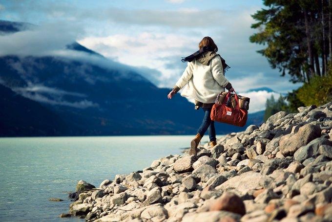 Марка Herschel опубликовала лукбук осенней коллекции рюкзаков и сумок. Изображение № 5.