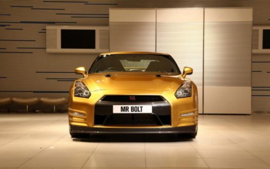 Nissan изготовил эксклюзивный золотой суперкар GT-R в честь Усэйна Болта. Изображение № 4.
