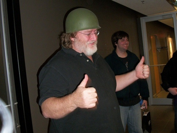 Один из основателей компании Valve Гейб Логан Ньюэлл на встрече с геймерами. Изображение № 1.