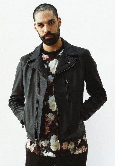 Марка Supreme выпустила лукбук весенней коллекции одежды. Изображение № 1.