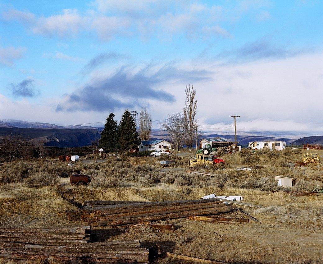 Бытовая жизнь работников бизоньего ранчо в США . Изображение № 1.