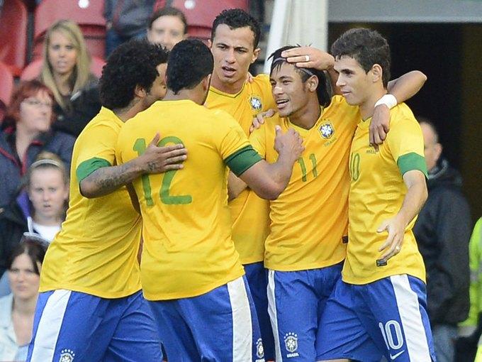 Бразильским футболистам разрешили заниматься сексом перед чемпионатом мира. Изображение № 1.