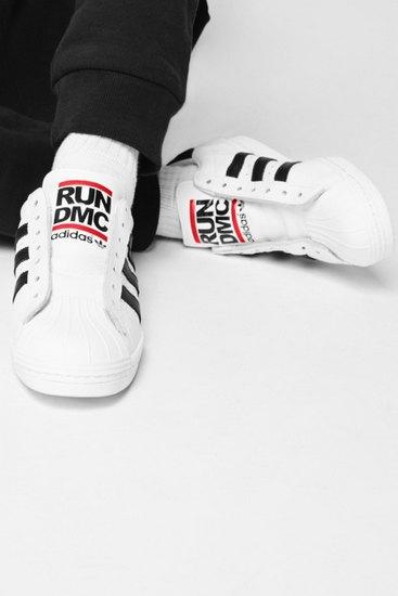 Марка Adidas Originals и хип-хоп-коллектив Run-D.M.C. выпустили совместную коллекцию одежды. Изображение № 3.