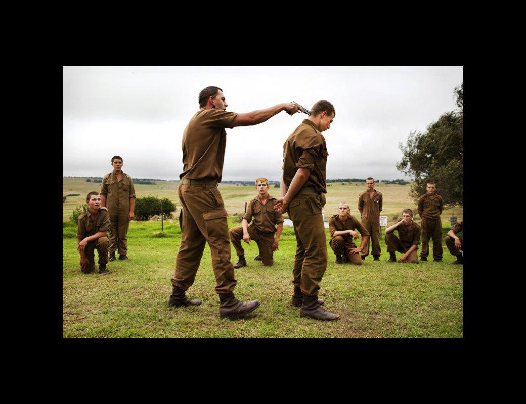 Как подростков ЮАР обучают межрасовой войне в националистических лагерях . Изображение № 5.