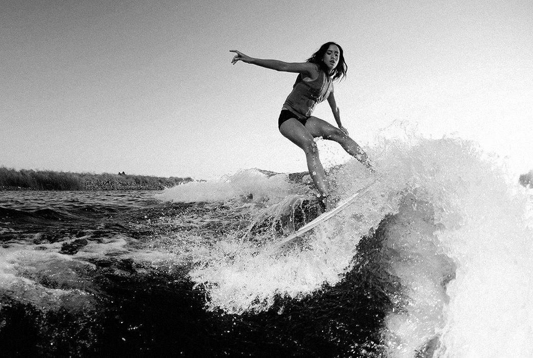 Что такое скимбординг — вид сёрфинга на мелкой воде. Изображение № 2.