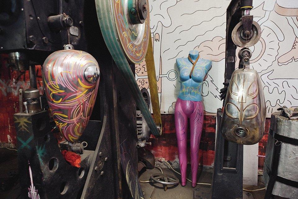 Болгарка, молоток и сварка: Интервью с  Глебом Чёрным, владельцем кастом-ателье мотоциклов . Изображение № 13.