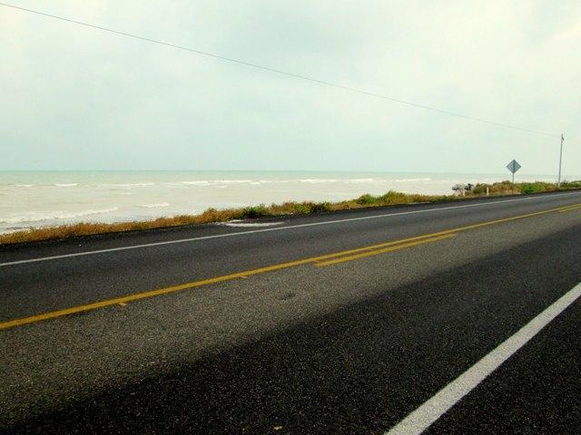 «Вся наша жизнь состоит из спусков и подъёмов»: Как я пересёк Мексику на велосипеде. Изображение № 19.