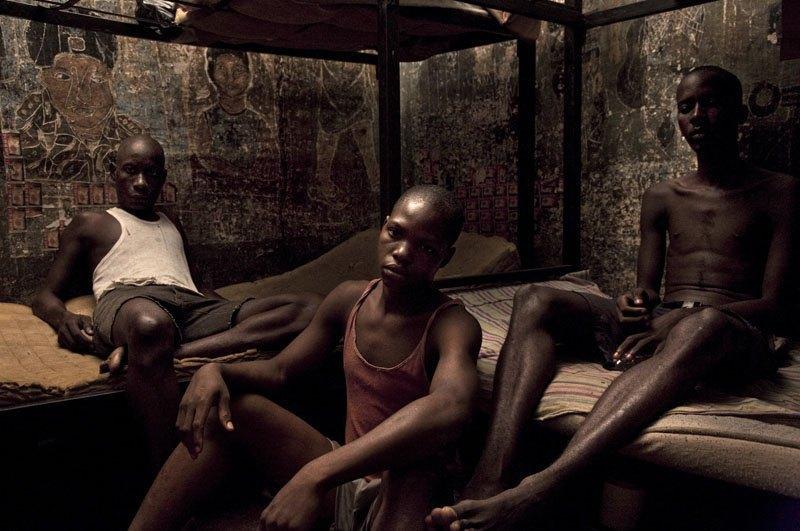 Как подростки Сьерра-Леоне годами живут в тюрьме в ожидании суда по их делу. Изображение № 18.