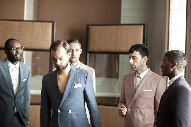 Марка Ben Sherman и журнал The Rig Out выпустили лукбук весенней коллекции одежды. Изображение № 5.