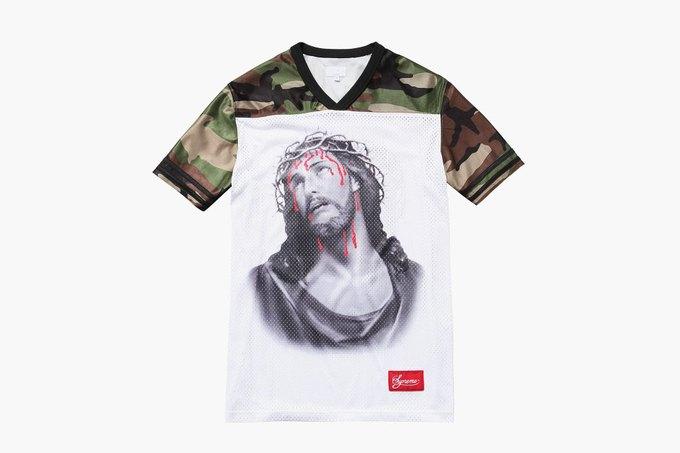 Марка Supreme выпустила футболки с изображением Иисуса. Изображение № 1.