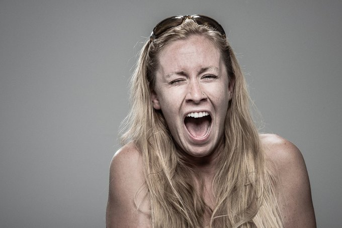 Фотограф снимал лица людей после удара шокером. Изображение № 17.