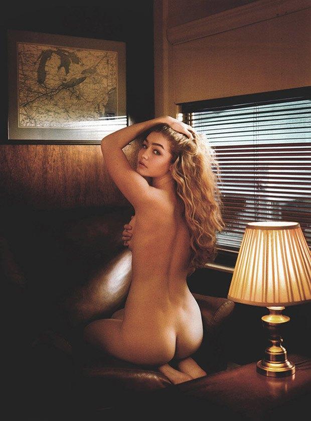 Модель Джиджи Хадид разделась для журнала V Man. Изображение № 1.
