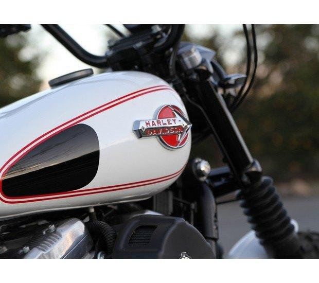 Мастерская Burly Brand представила скрэмблер на основе Harley-Davidson Sportster. Изображение № 2.