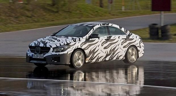 Mercedes показали новый закамуфлированный спортивный седан. Изображение № 7.