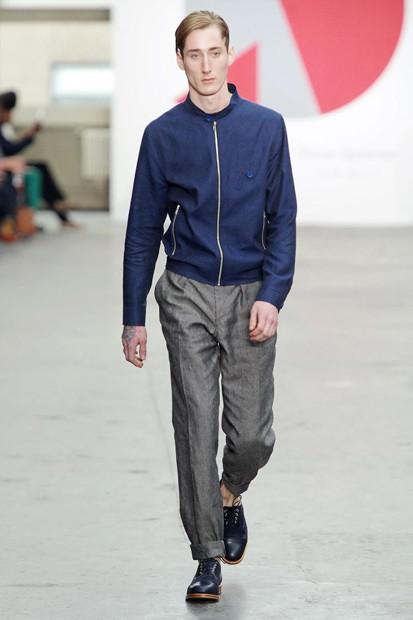 Марка Oliver Spencer выпустила летнюю коллекцию одежды. Изображение № 18.