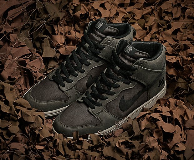Марки Nike и Undefeated выпустили совместные модели кроссовок. Изображение № 2.