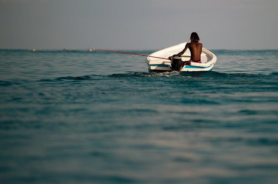 Russia Goes Surfing: Репортаж из серферского лагеря на Мальдивах. Изображение № 7.