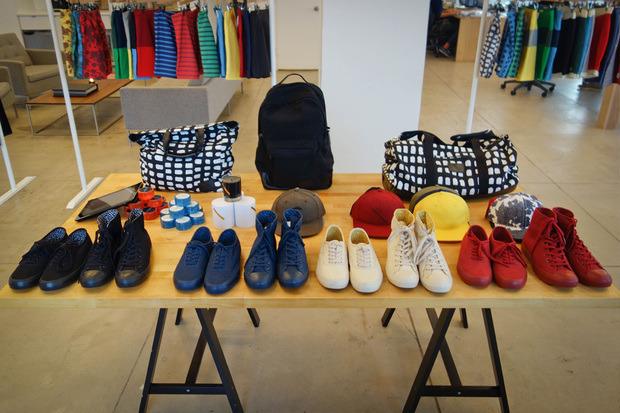 Американская марка Saturdays Surf NYC выпустила превью весенней коллекции одежды. Изображение № 3.