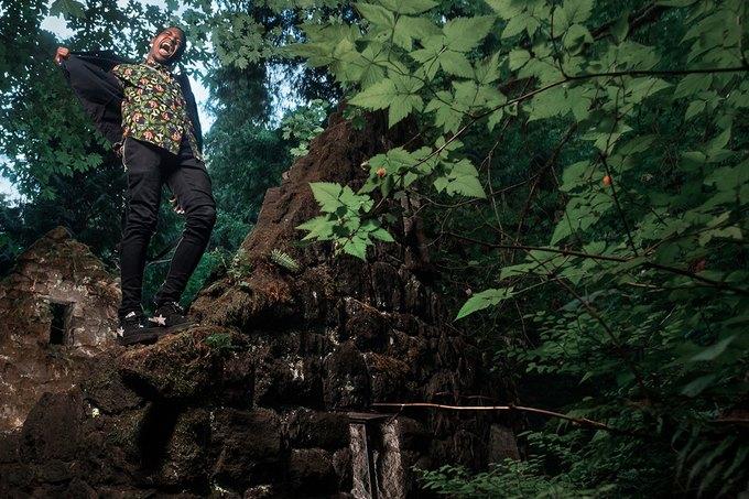 Рэпер Трэвис Скотт снялся в лукбуке марки LRG. Изображение № 5.
