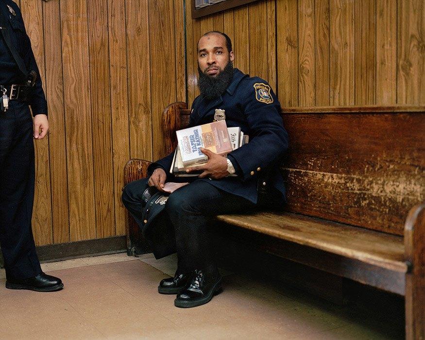 Несколько дней из жизни обычных американских полицейских. Изображение № 31.