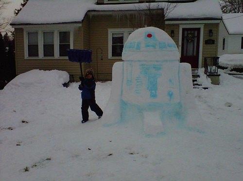 Что ты лепишь: Альтернативные снеговики со всего мира. Изображение № 11.