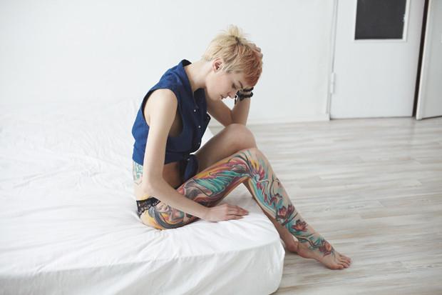 На игле: Пять девушек рассказывают о своих татуировках. Изображение №15.