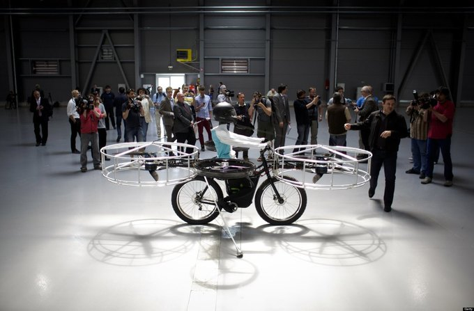 В Великобритании изобрели летающий велосипед. Изображение № 1.