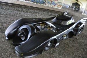 Самый первый Бэтмобиль ушел с аукциона за 4,6 миллиона долларов. Изображение № 10.