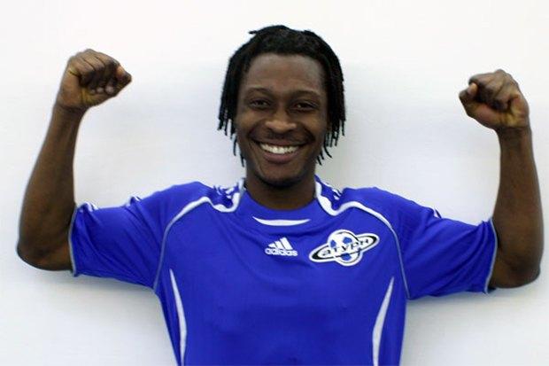 Футболист сборной Ганы избил журналиста за обвинения в колдовстве. Изображение № 1.