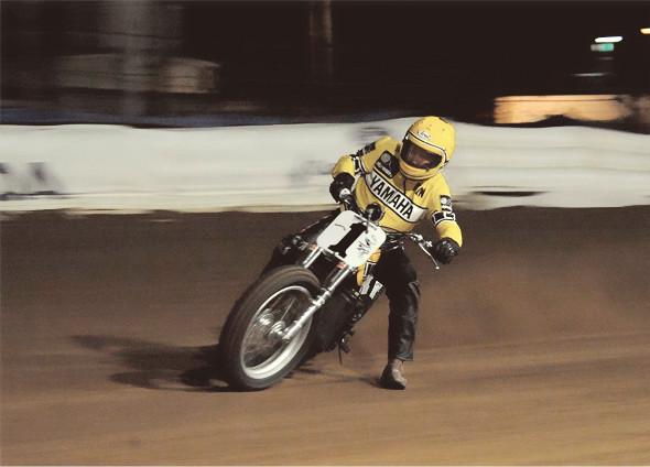История и особенности мотоциклов для гонок по грязевому овалу —флэт-трекеров. Изображение № 21.