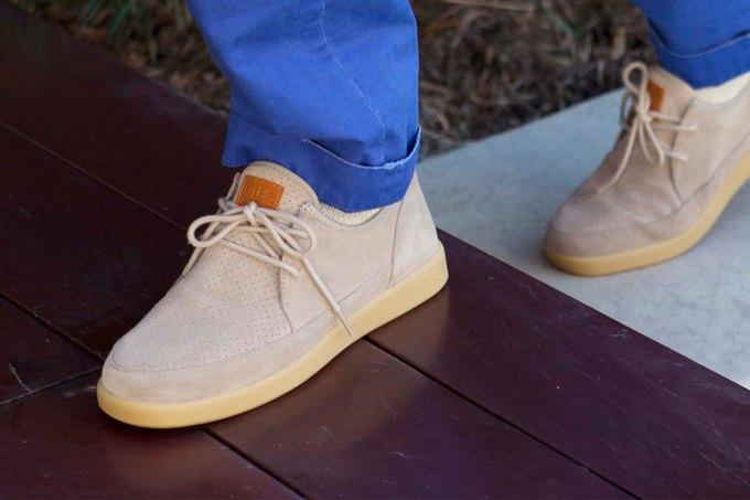 Марка Clae выпустила весеннюю коллекцию обуви. Изображение № 10.