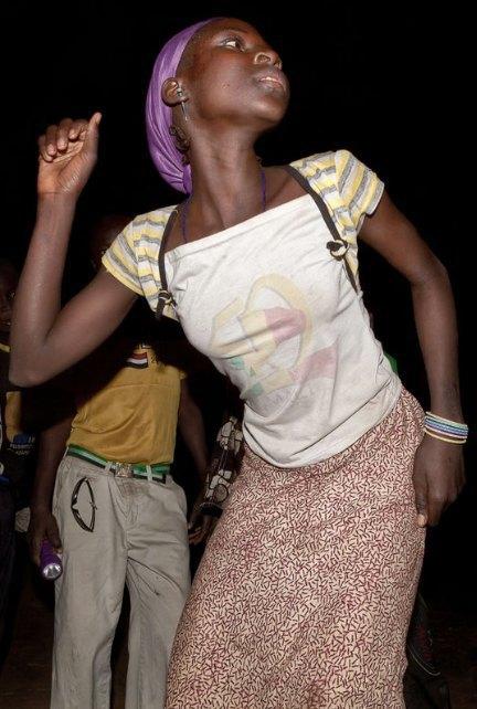 Мы хотим танцевать: Как выглядит сельская дискотека в Африке. Изображение № 9.