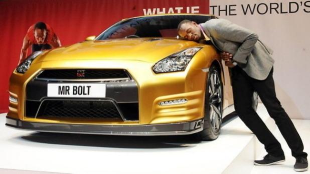Nissan изготовил эксклюзивный золотой суперкар GT-R в честь Усэйна Болта. Изображение № 2.