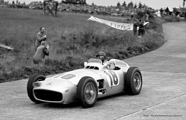 Самый дорогой болид «Формулы-1» в истории ушел с молотка. Изображение № 8.