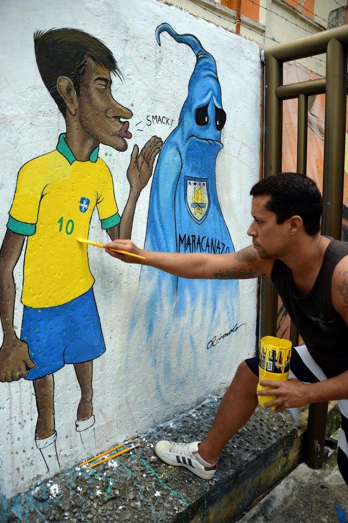 Такой футбол нам не нужен: Граффити против чемпионата мира. Изображение № 11.