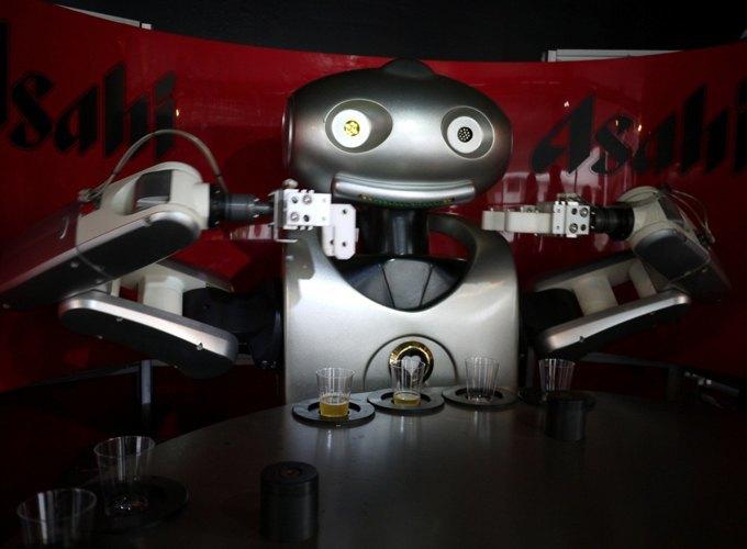 Школа барменов: Как люди пытаются научить роботов наливать выпивку и правильно смешивать коктейли. Изображение № 2.
