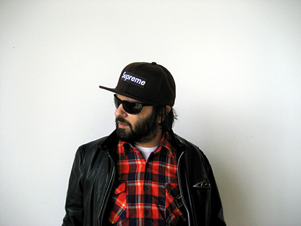 Эрик Брунетти в кепке другого уличного бренда Supreme. Изображение № 6.