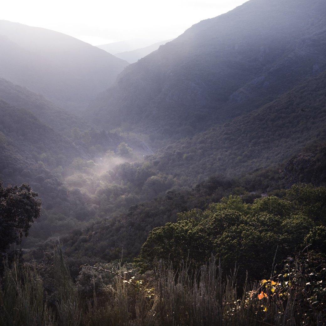 Фотопроект: Как испанские нудисты и нью-эйджеры восстанавливают заброшенные селения. Изображение № 1.